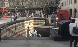 Διαρροή τοξικού αερίου εκκενώνει το West End του Λονδίνου