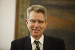 Αμερικανός πρέσβης: Μεγάλη επιτυχία το ταξίδι Τσίπρα στις ΗΠΑ