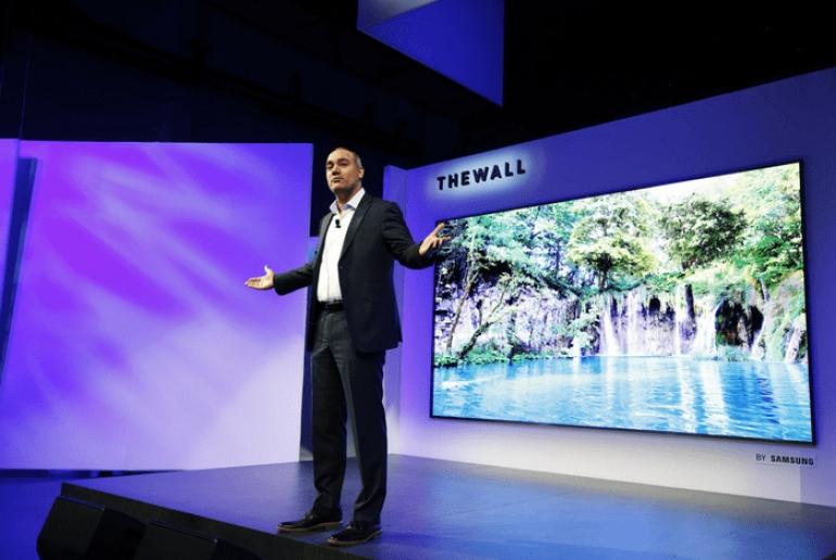 """Η Samsung αποκαλύπτει την """"The Wall,"""" την πρώτη παγκοσμίως αρθρωτή Τηλεόραση MicroLED 146 ιντσών"""