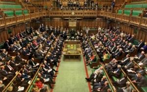 Ήττα της Μέι σε νομοσχέδιο για το Brexit