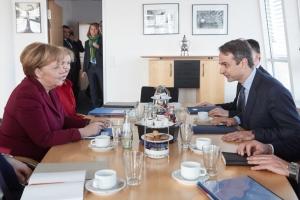 Συνάντηση Μητσοτάκη - Μέρκελ για το προσφυγικό πρόβλημα