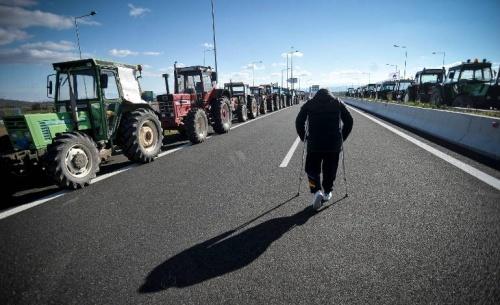 Τα τρακτέρ στις εθνικές οδούς