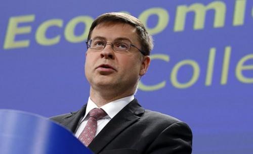 Ντομπρόφσκις: Δεν χρειάζεται κούρεμα χρέους - Πρωτογενές πλεόνασμα 3,5% για το 2018