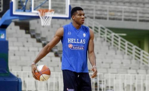 NBA και Μπακς απαντούν στην ΕΟΚ και καλύπτουν πλήρως τον Αντετοκούνμπο