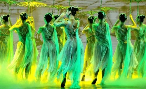 Η Όπερα και Χοροθέατρο της Χανγκτσόου στον «Ελληνικό Κόσμο»