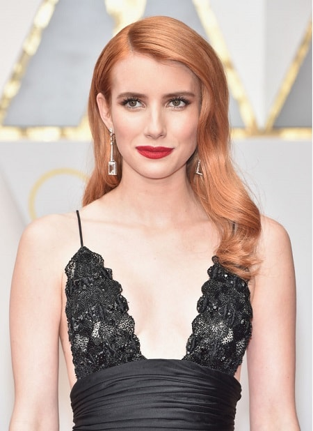 Emma Roberts wearing Atelier Swarovski Fine Jewelry Mosaic Earrings at the Academy Awards 2017 min