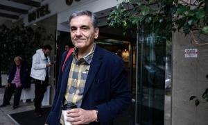 «Ευχάριστη έκπληξη» για τον Τσακαλώτο το πακέτο Κομισιόν