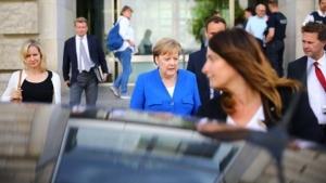 DW: Τι σημαίνει για την Ε.Ε. η σταδιακή αποχώρηση Μέρκελ