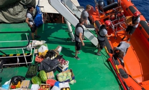H ισπανική showbiz πιέζει τον Σάντσεθ να παρέμβει υπέρ των μεταναστών της Open Arms