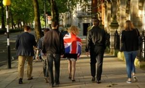 Εκλογές στη Βρετανία: Μειώνεται στις 6 μονάδες το προβάδισμα των Συντηρητικών