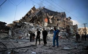 To Ισραήλ διέψευσε χερσαία εισβολή στη Γάζα, αλλά οι βομβαρδισμοί και ρουκέτες συνεχίζονται