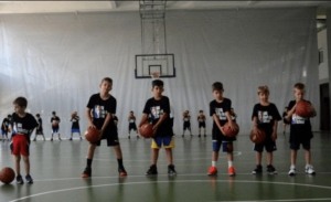 Ο Ντίνο Ράτζα επιστρέφει στην Ελλάδα για τα παιδιά του NBA Basketball School Camp