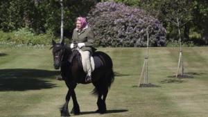 Η βασίλισσα Ελισάβετ εμφανίστηκε πρώτη φορά εν μέσω της πανδημίας