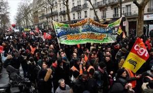 Μετά τις απεργίες, Γάλλοι συνδικαλιστές στρέφονται στη δολιοφθορά