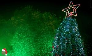 Άνοιξε το Χριστουγεννιάτικο Χωριό Ελευσίνας