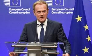 Ζωντανό το όνειρο αποτροπής του Brexit κατά τον Τουσκ