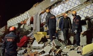 Τουλάχιστον 22 αγνοούμενοι μετά τον σεισμό στην Τουρκία (βίντεο)