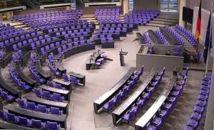 Κραταιός στις δημοσκοπήσεις ο συνασπισμός στη Γερμανία