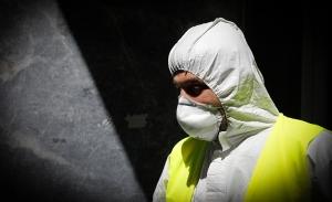 Ο ψυχρός πόλεμος της μάσκας