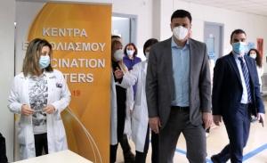 """""""Εμβολιάζουμε, οργανωμένα, δομημένα, με εξασφάλιση της δεύτερης δόσης """", διαβεβαιώνει ο Κικίλιας"""