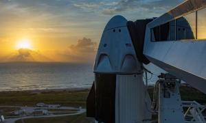 Αναβλήθηκε η πρώτη επανδρωμένη αποστολή της SpaceX