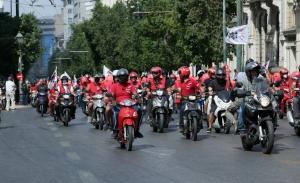 Ρύθμιση για τους ντιλιβεράδες προωθεί ο ΣΥΡΙΖΑ- Απαλλάσσει την εταιρία, απαντά η κυβέρνηση