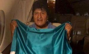 Πολιτικό άσυλο στον Μοράλες στο Μεξικό, η Βολιβία βρήκε προσωρινή πρόεδρο εν μέσω επεισοδίων