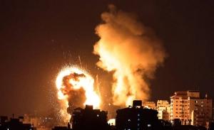 Αισιοδοξία Μπάιντεν για τέλος της κρίσης στη Γάζα εν μέσω βομβαρδισμών