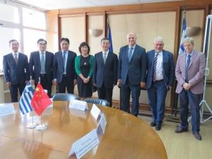 Συνάντηση Τσιάρα με τον πρόεδρο του Ανωτάτου Λαϊκού Δικαστηρίου της Κίνας