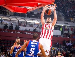 O Ολυμπιακός νίκησε με 89-82 την Εφές και εξασφάλισε το πλεονέκτημα έδρας