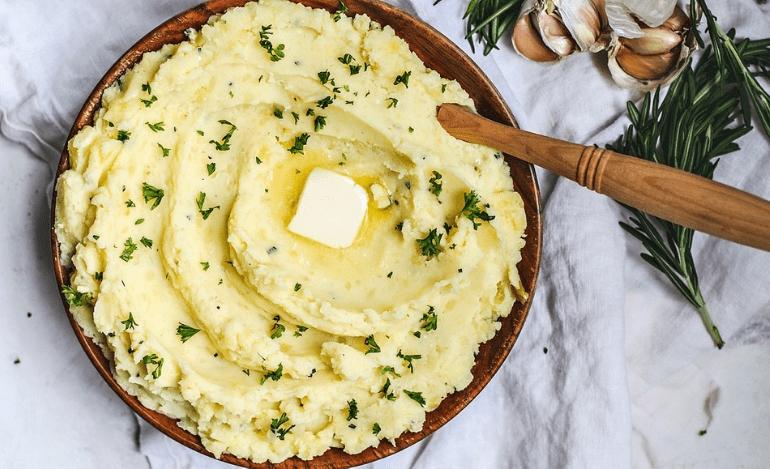 Πατάτα: Τρεις τρόποι να συνοδεύσει τα πιάτα σας
