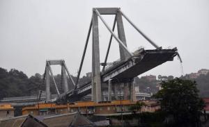Ένα χρόνο μετά, τα αίτια της κατάρρευσης της γέφυρας στη Γένοβα παραμένουν αδιευκρίνιστα