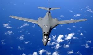 Η Ρωσία αναχαίτισε αμερικανικά βομβαρδιστικά στη Μαύρη Θάλασσα