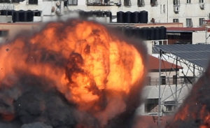 Νέοι νυχτερινοι βομβαρδισμοί στη Γαζα