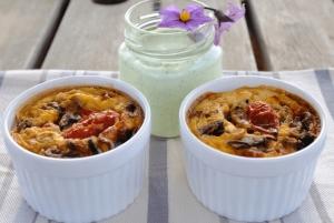Συνταγή: Αβγά και λαχανικά κούπες με ντιπ γιαουρτιού