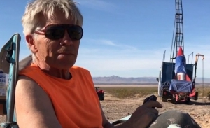 Σκοτώθηκε ο πιλότος που προσπαθούσε να αποδείξει ότι η Γη είναι επίπεδη (βίντεο)