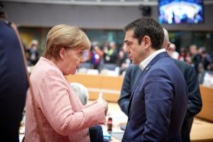 Die Zeit: Η ανάγκη της Μέρκελ στο προσφυγικό, ευκαιρία του Τσίπρα για το χρέος
