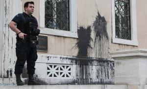 Με τηλεοπτικές ειδήσεις δικαιολογεί ο Ρουβίκωνας την επίθεση στο ΣτΕ