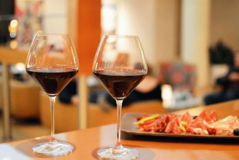 Βραδιές Wine Tasting στο Aethrion του Hilton