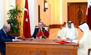 To Κατάρ προσφέρει σωσίβιο στον Ερντογάν που απειλεί ξανά «εχθρούς και προδότες»