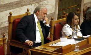 Προπηλακισμό από μέλη της Χρυσής Αυγής καταγγέλλει ο πρώην Υπουργός Γ.Καλαντζής