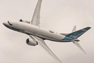 Οι αεροπορικές τραγωδίες «πνίγουν» Boeing και FAA