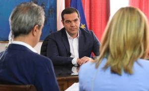 Ο Τσίπρας ...απειλεί τον Βαρουφάκη ότι «κάποια στιγμή» θα μιλήσει για το πρώτο εξάμηνο του 2015
