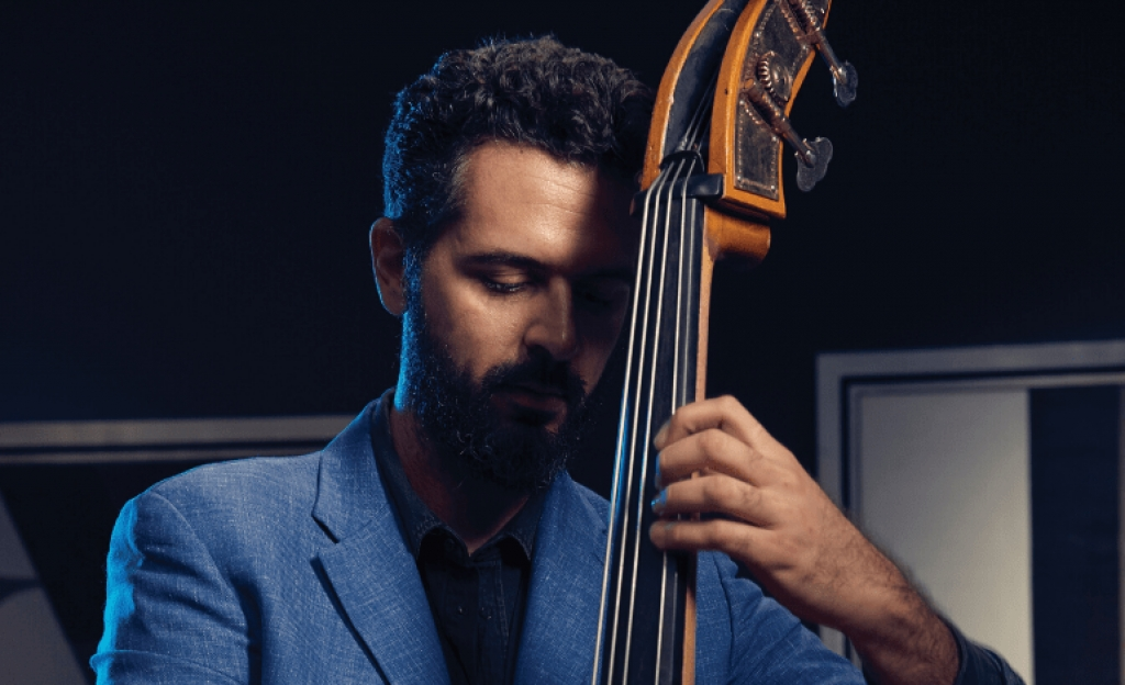 Live-streaming: Jazz Petros Klampanis - Solo Project