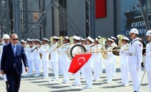 Δέκα ναυάρχους συνέλαβε ο Ερντογάν