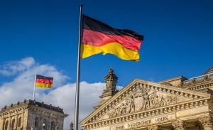 Ανησυχία στο Βερολίνο για το νόμο «έκτακτης ανάγκης» του Όρμπαν