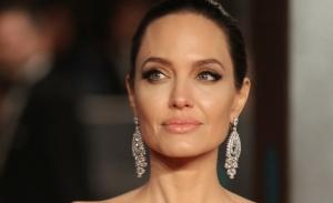 H Angelina Jolie γίνεται 45 ετών (photos)