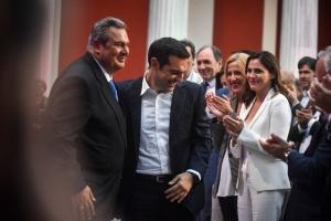 Handelsblatt : Ο Τσίπρας χρειαζόταν περισσότερο τον δεξιό λαϊκιστή Καμμένο