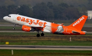 Μειώσεις αεροπορικών δρομολογίων καθώς η ζήτηση πέφτει