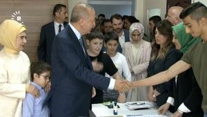 Σε εξέλιξη οι εκλογές στην Τουρκία - Ψήφισε ο Ερντογάν